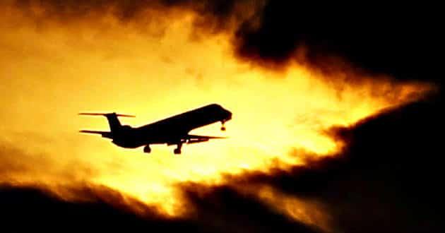 viajar en avion como turista